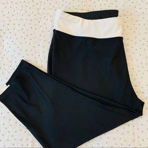 Xersion women's leggings capri size 2 X